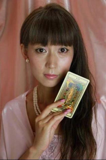インタビュー画像: 占いサロン 愛月 - 回答者:愛月日奈子さん