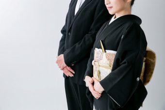 着物 結婚式 身内は黒留袖